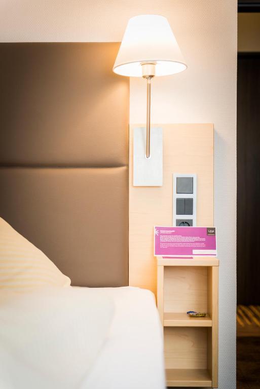 hotel l cke rheine rheine prenotazione on line. Black Bedroom Furniture Sets. Home Design Ideas