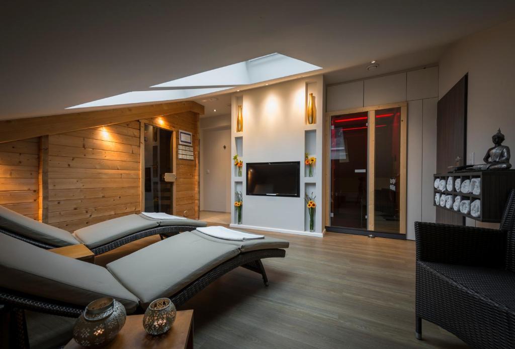 hotel l cke rheine rheine informationen und buchungen. Black Bedroom Furniture Sets. Home Design Ideas