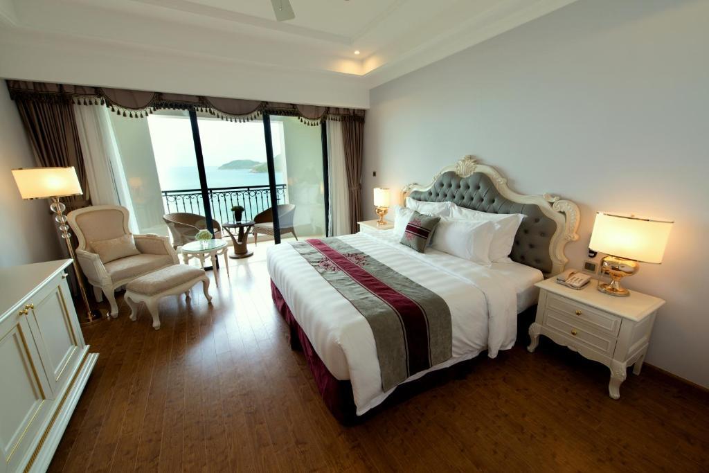 Phòng Deluxe Giường Đôi Nhìn Ra Biển - Chỉ Bao Bữa Sáng
