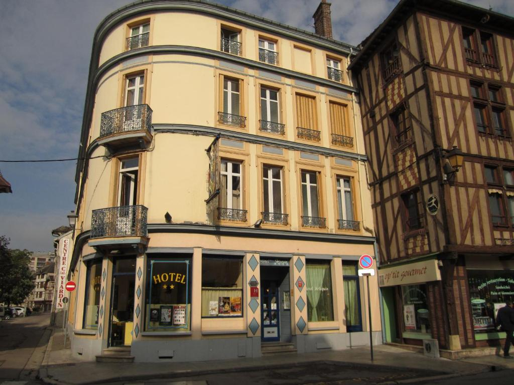 Hotel arlequin centre historique troyes online booking for Hotels troyes