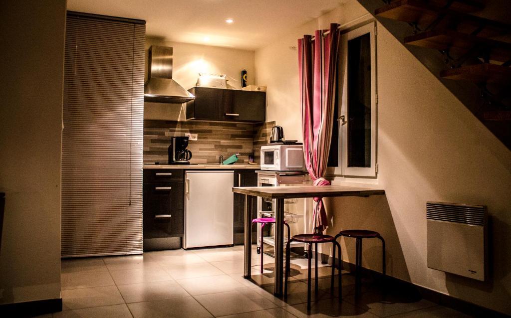 Chambre d 39 h tes la belle epoque figeac book your hotel for Chambre hote figeac