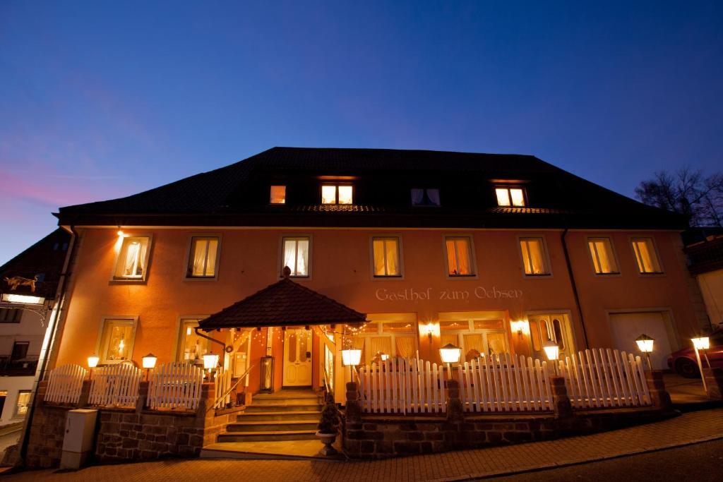 Gasthof zum ochsen g stezimmer v hrenbach for Design hotel niedersachsen