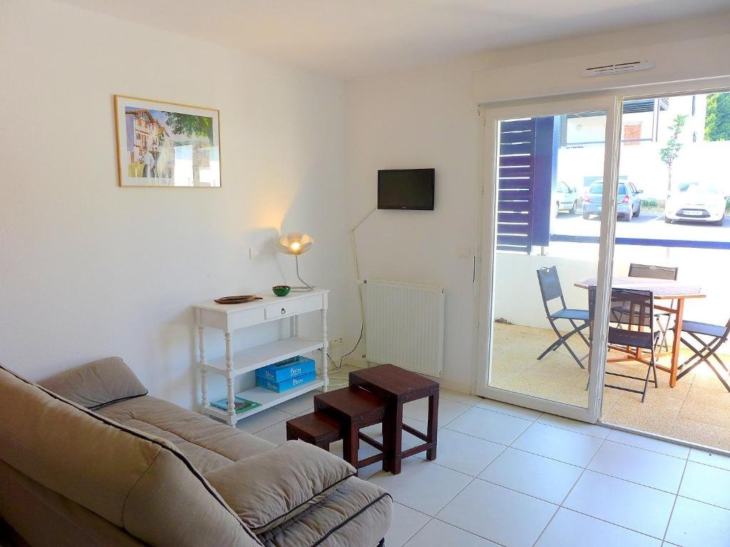 Appartement le clos mattinenea appartement urrugne for Appart hotel urrugne
