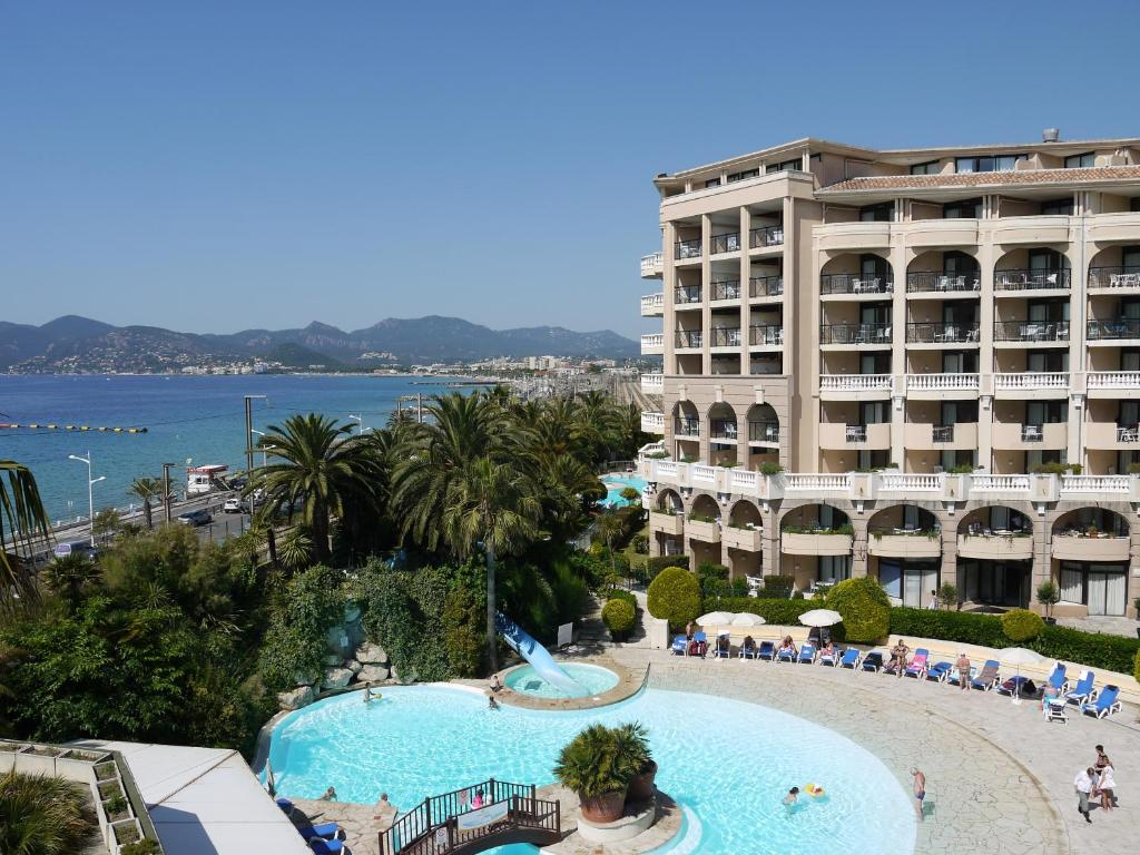 Cannes appartement cannes la bocca for Booking appartement