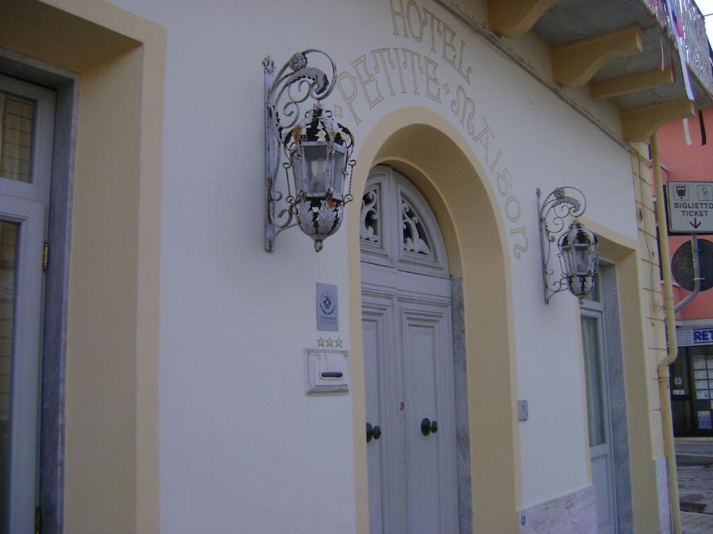 Hotel la petite maison r servation gratuite sur viamichelin for B b la petit maison