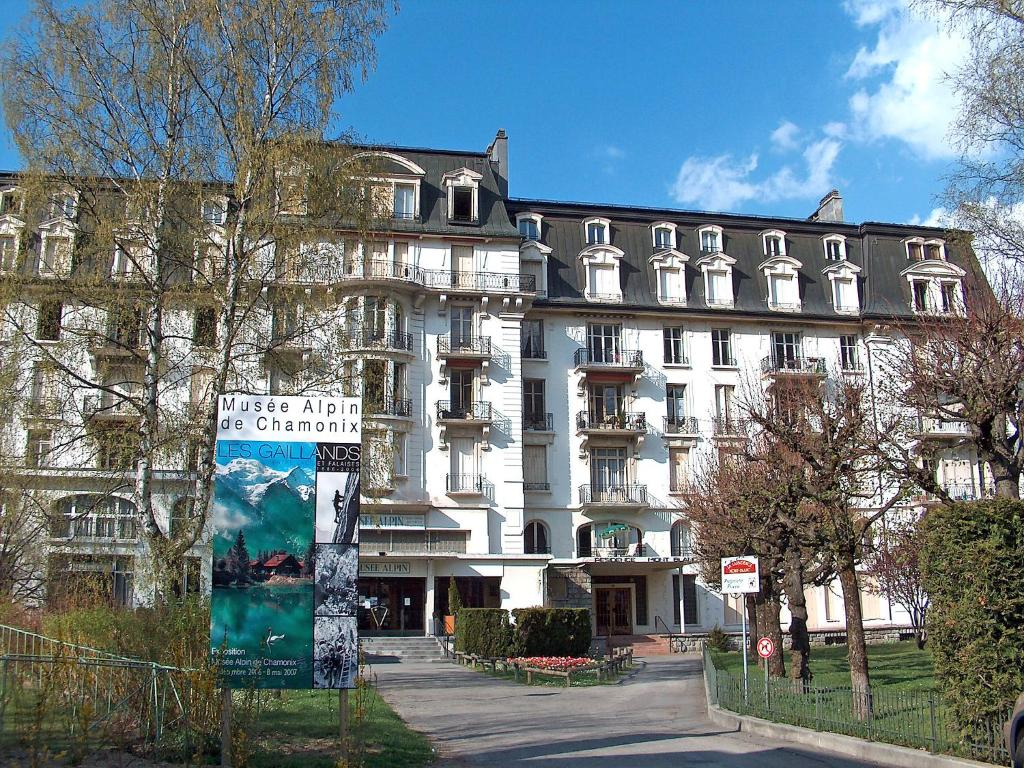 Appartement mont blanc 2 locations de vacances chamonix for Chambre neuf hotel chamonix
