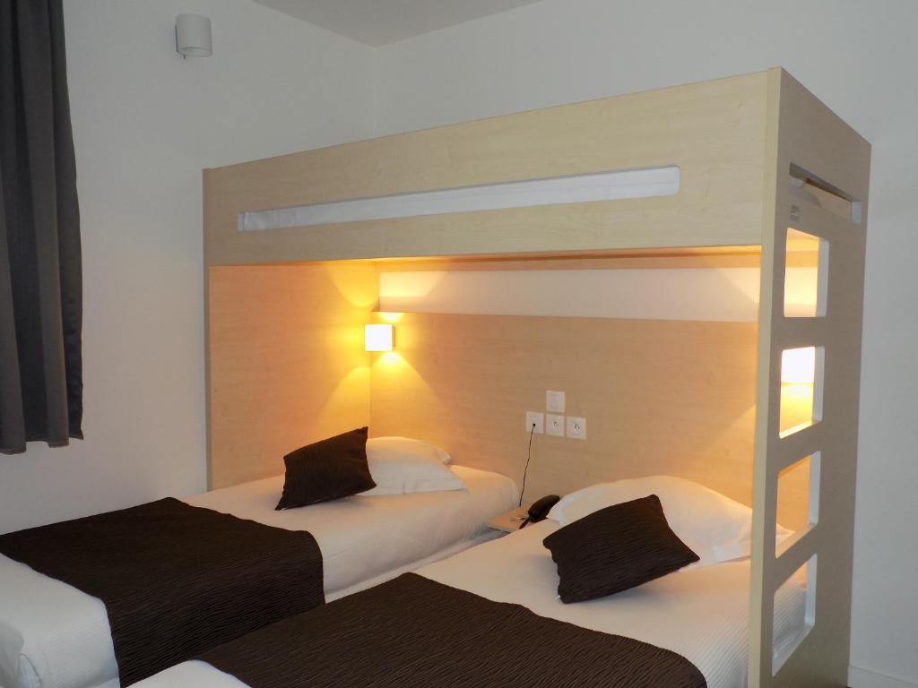 Hotel paris saint ouen r servation gratuite sur viamichelin for Reservation gratuite hotel paris