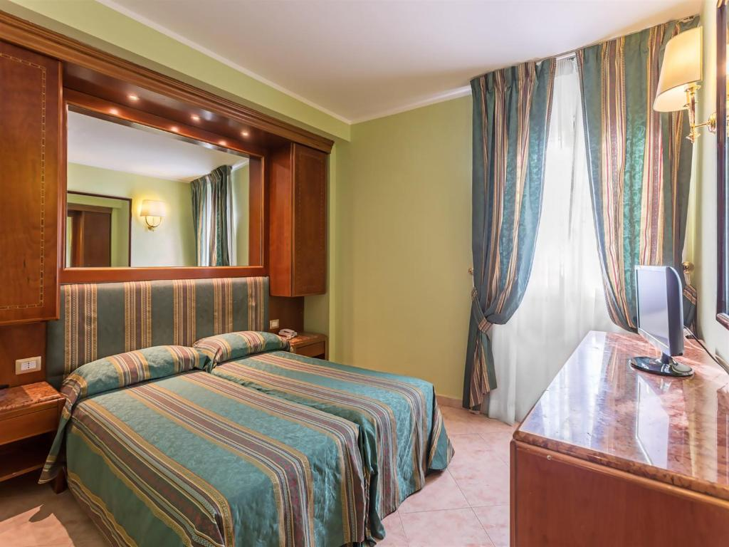 Hotel siracusa rome book your hotel with viamichelin for Hotel resort siracusa