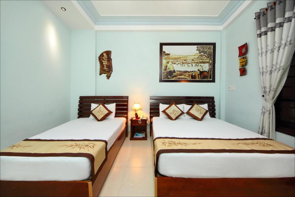 Phòng có 2 Giường đơn và Cửa sổ