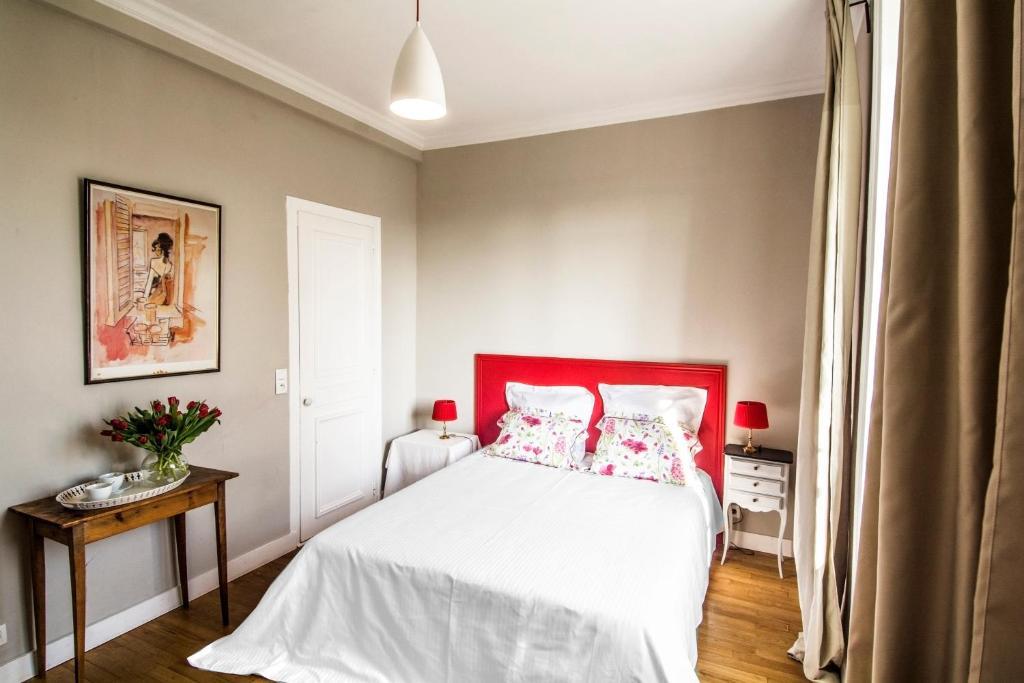 chambres d 39 h tes villa athanaze chambres d 39 h tes saint malo. Black Bedroom Furniture Sets. Home Design Ideas