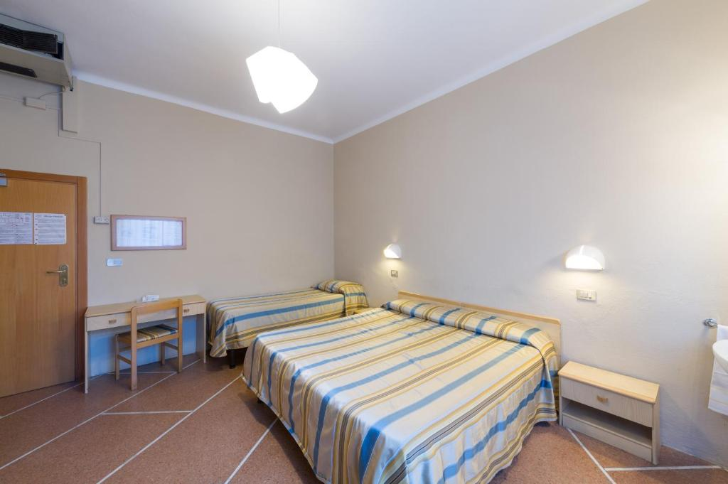 Hotel moderno pisa book your hotel with viamichelin for Hotel moderno madrid booking