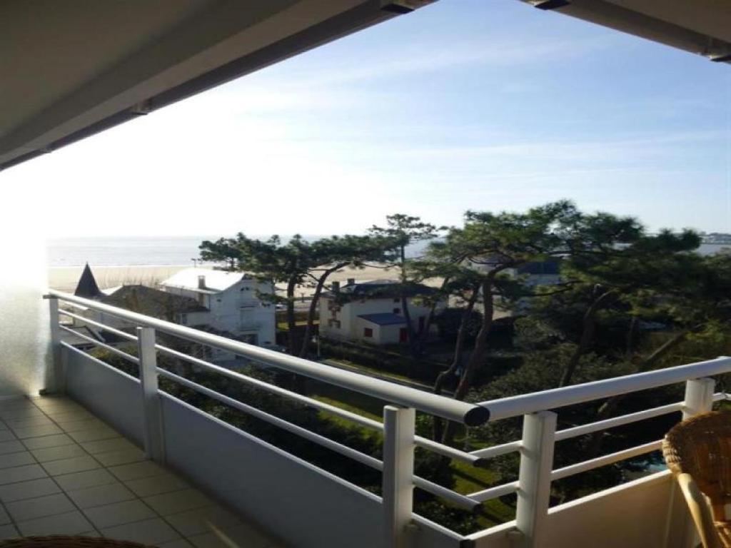 Appartement avec vue sur la grande conche de royan for Hotel appart royan