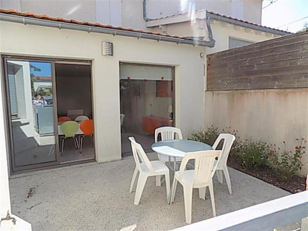appartement plage de nauzan 2 locations de vacances saint palais sur mer. Black Bedroom Furniture Sets. Home Design Ideas