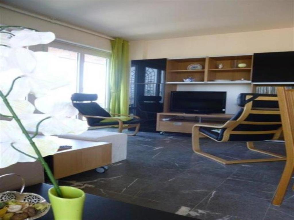 appartement vue mer quartier de pontaillac locations de vacances royan. Black Bedroom Furniture Sets. Home Design Ideas