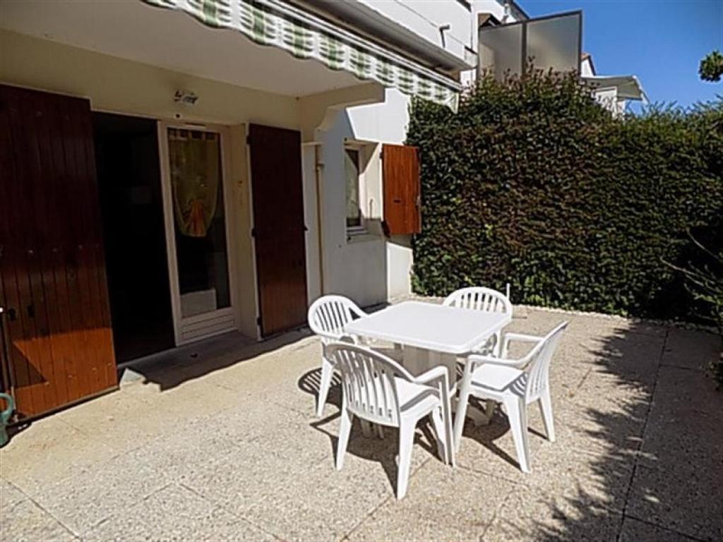 appartement r sidence thalassa locations de vacances saint palais sur mer. Black Bedroom Furniture Sets. Home Design Ideas