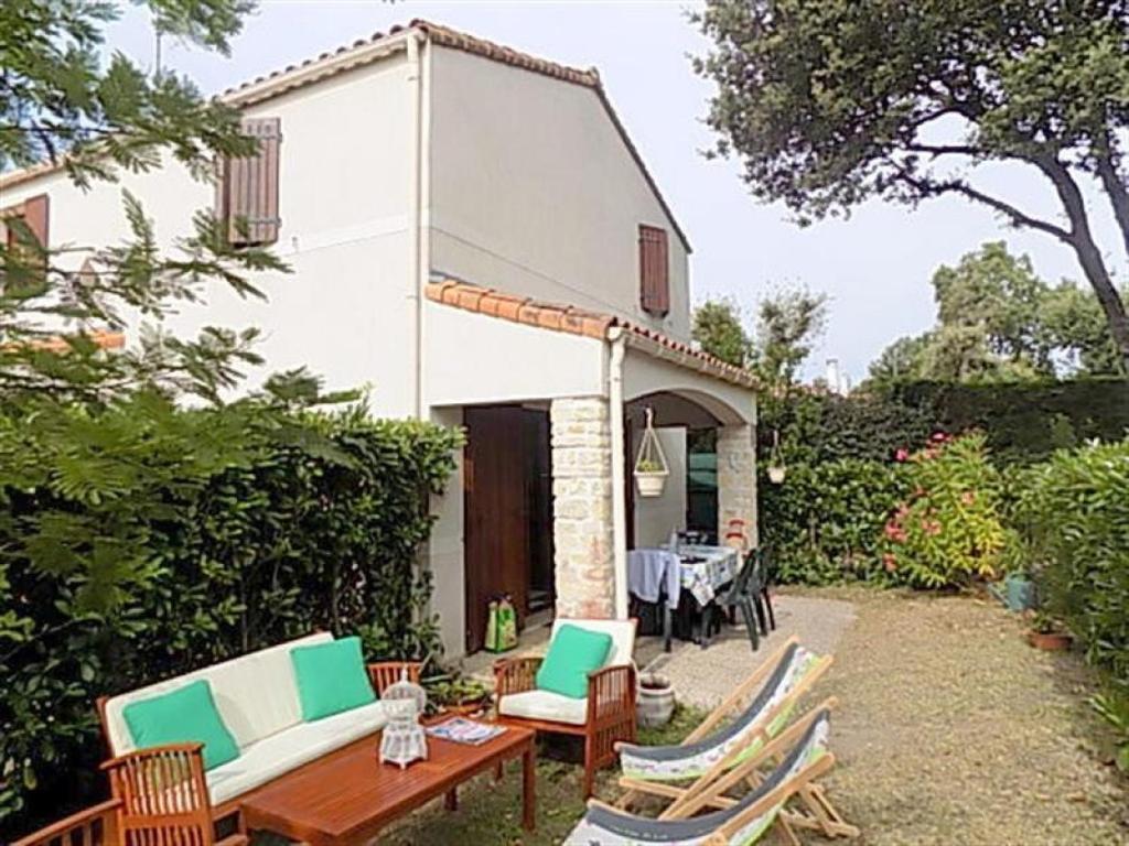 Villa agr able jardin villa in vaux sur mer en charente for Au jardin welkom