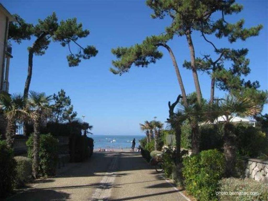 Villa r sidence domaine du lac locations de vacances - Office du tourisme saint palais sur mer ...