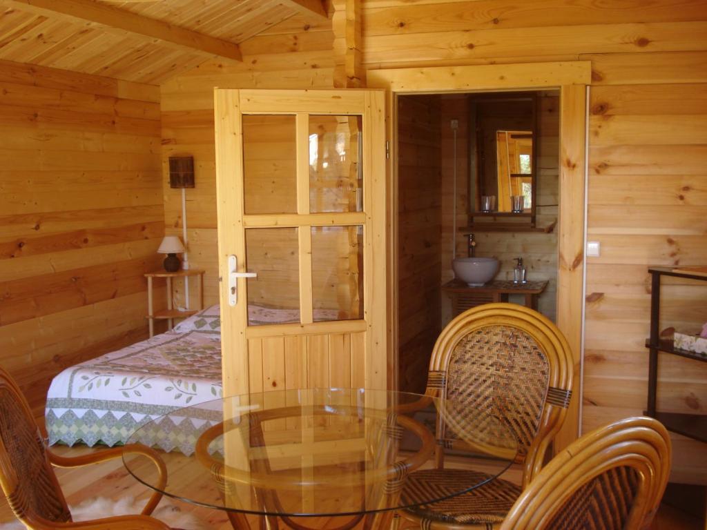 chambres d 39 h tes lou cantou chambres d 39 h tes la colle sur loup. Black Bedroom Furniture Sets. Home Design Ideas