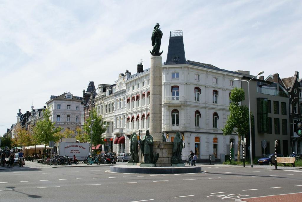 Stadsherberg de poshoorn maastricht reserva tu hotel for Designhotel maastricht
