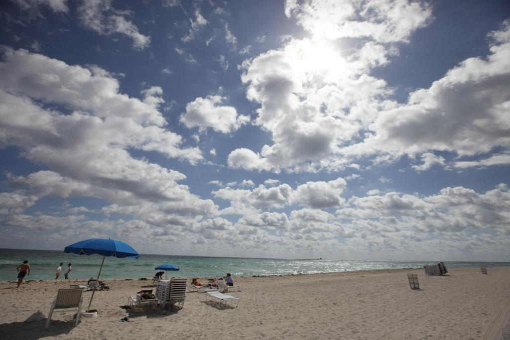 Seacoast Miami Beach Apartment