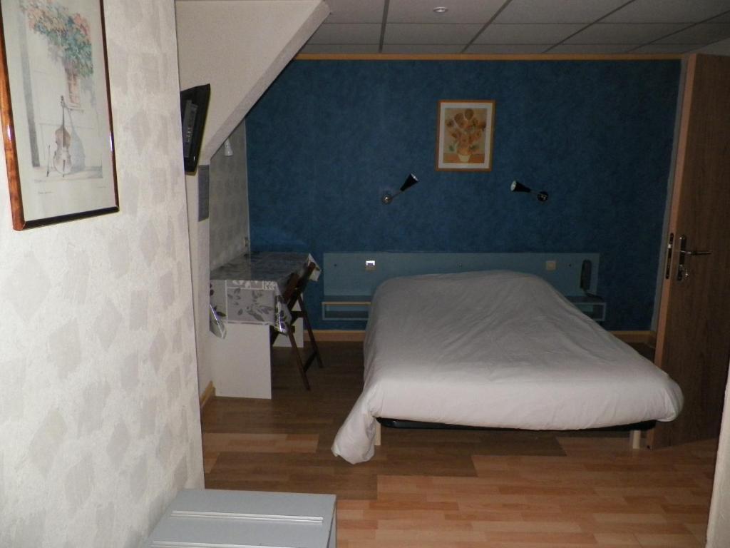H tel du commerce auxerre reserva tu hotel con viamichelin for Chambre commerce auxerre