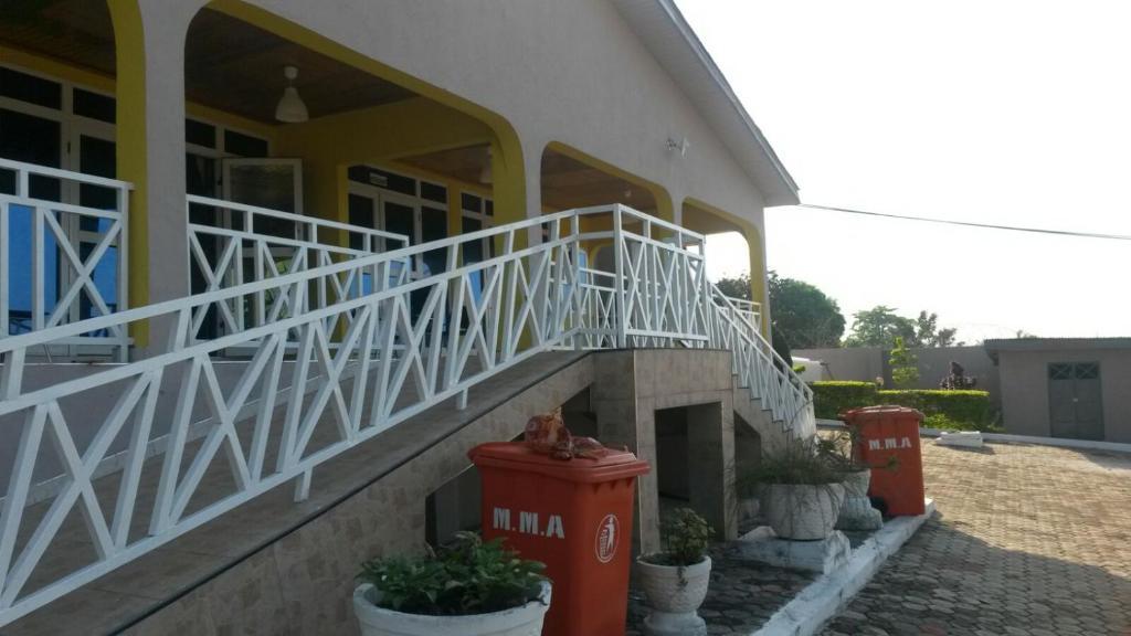 Krakye Executive Lodge