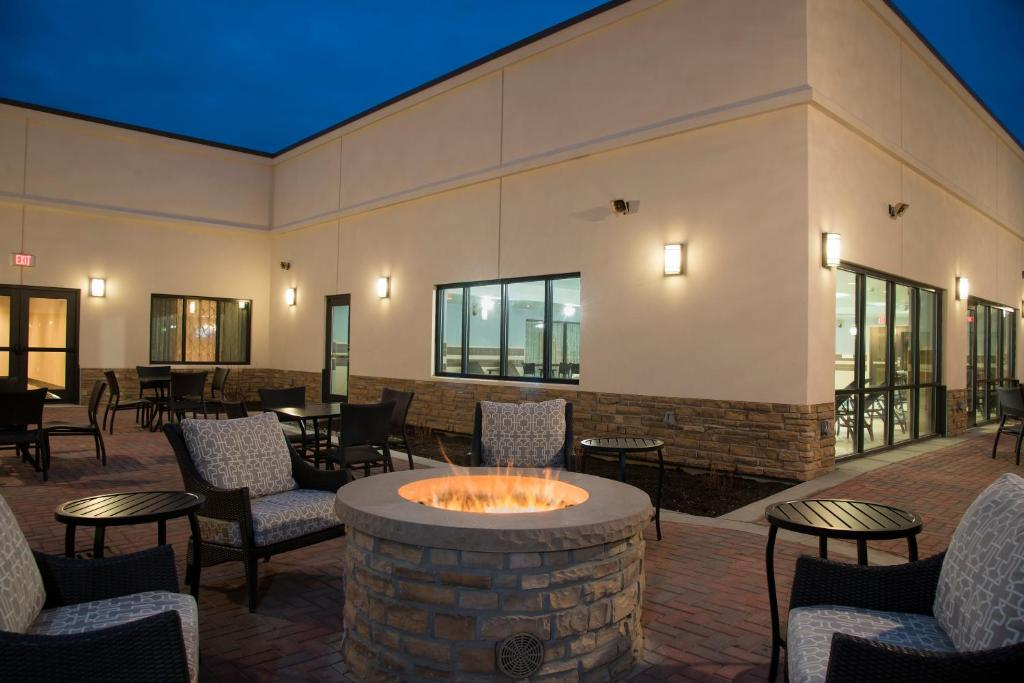 Doubletree by hilton schenectady schenectady book your for 100 nott terrace schenectady ny