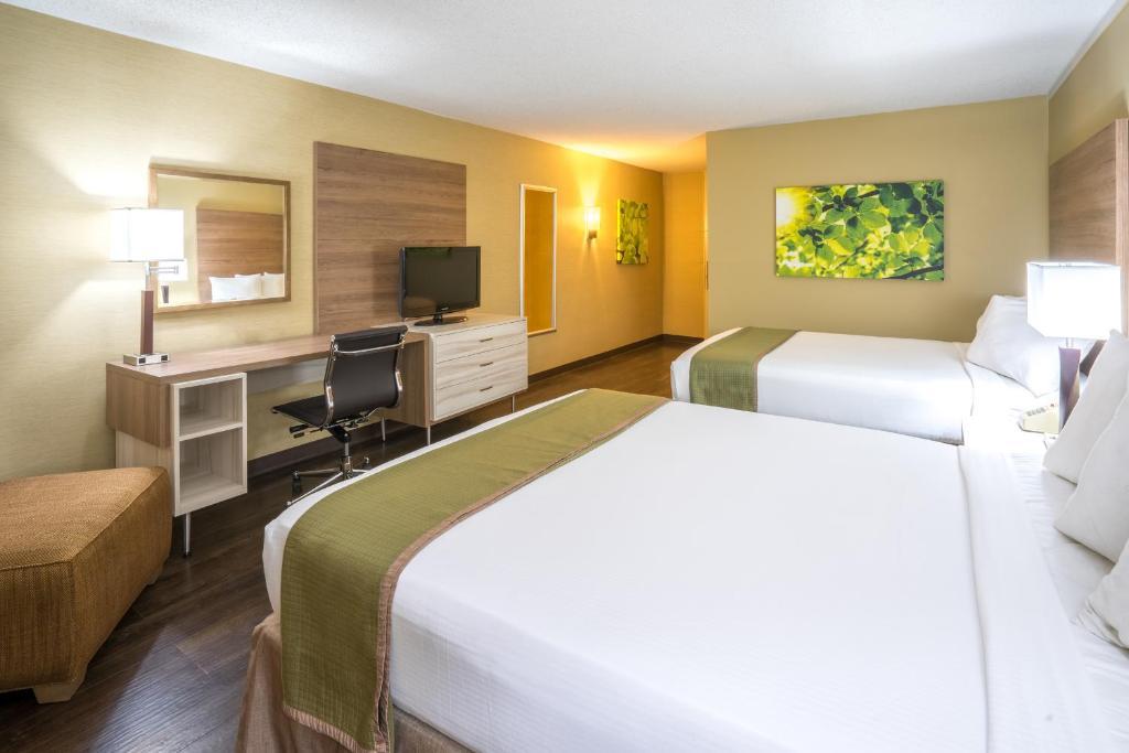 Wyndham Garden Washington Dc North Washington Book Your Hotel With Viamichelin