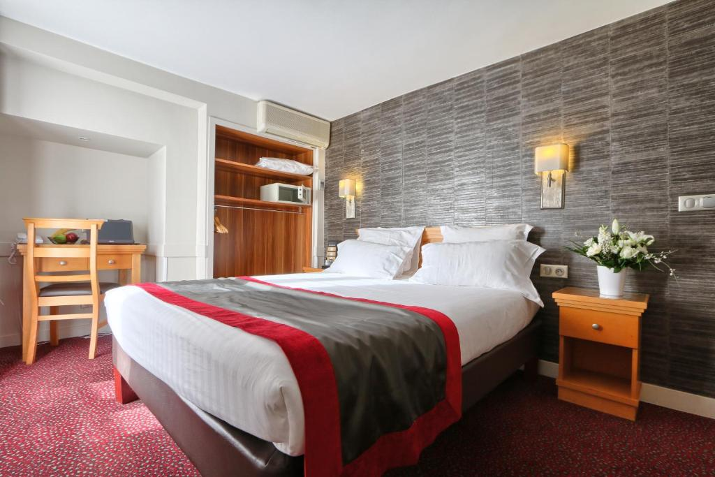 H tel mondial paris book your hotel with viamichelin for Seven hotel paris booking