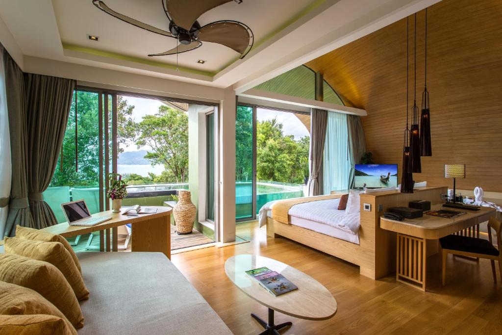 Crest Resort Pool Villas Booking