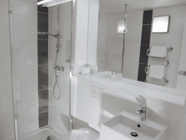 Hotel Pavillon des Gatines Les Clayes sous Bois book your hotel with ViaMichelin # Hotel Les Clayes Sous Bois