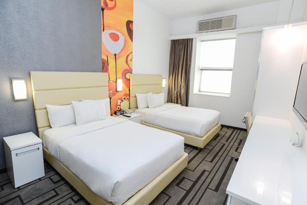 Hotel De Point Flushing Ny