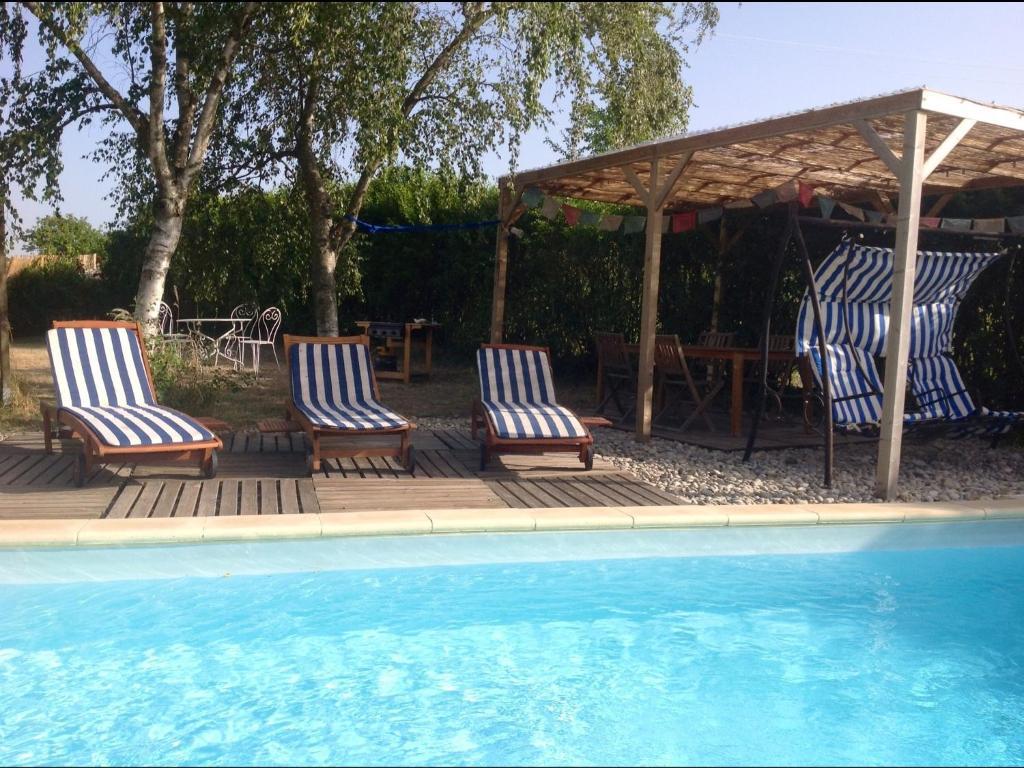 Yourte d 39 ard che avec piscine priv e locations de for Ardeche hotel avec piscine