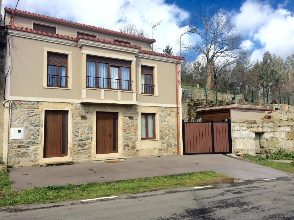 casa de campo casa victoriano (españa melide) - booking