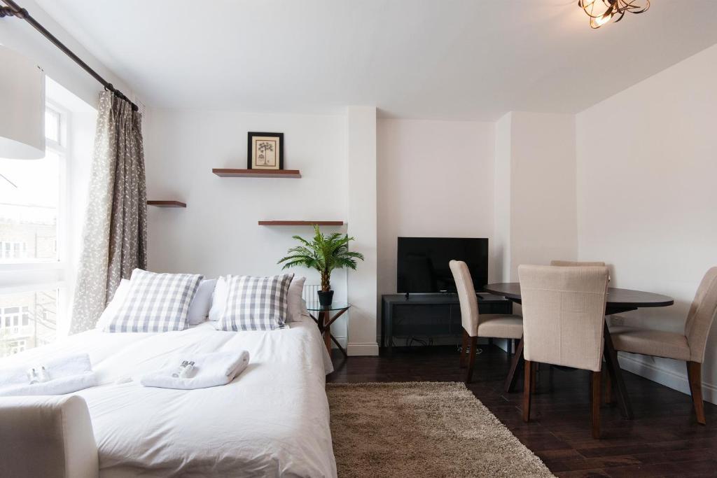 The kensington fielding house london book your hotel for The kensington house