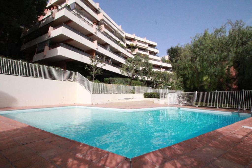 Appartement studio residence piscine 2 p locations de for Residence piscine