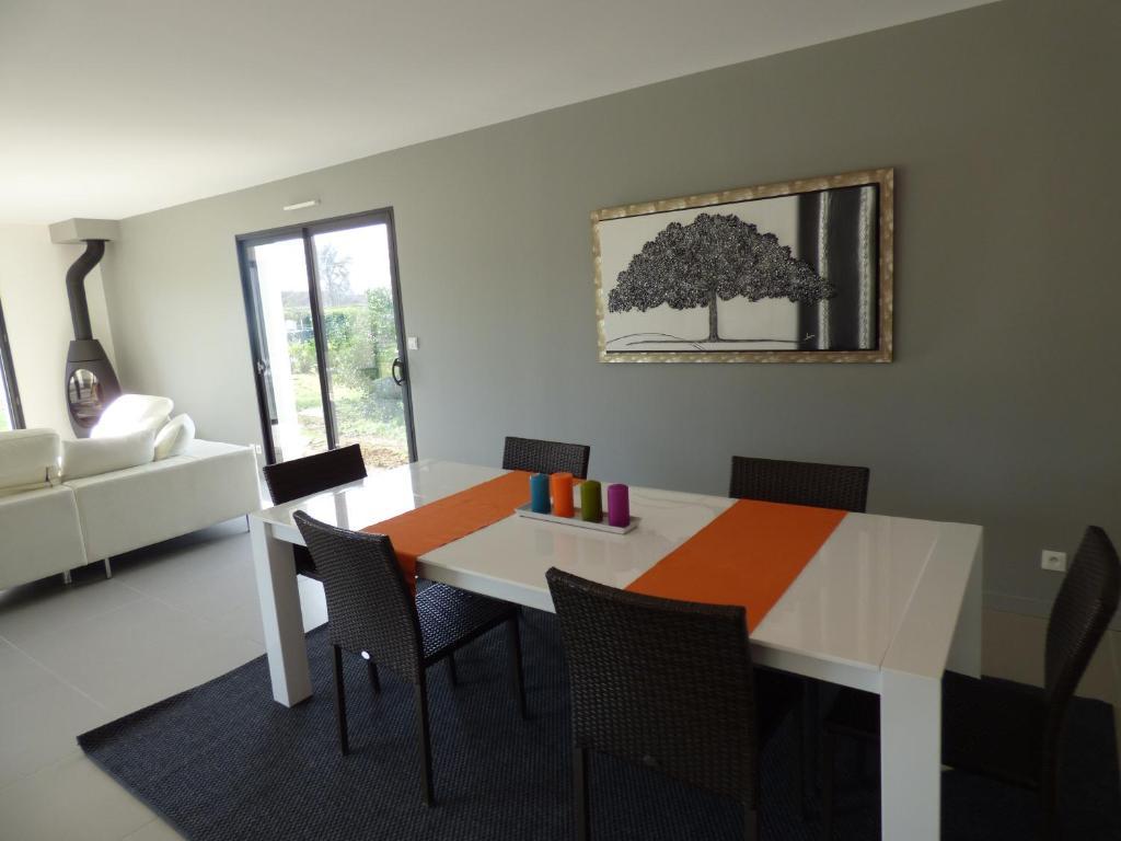 Top Deals Vacation Home Maison Pizou, Le Pizou, France - Booking.com