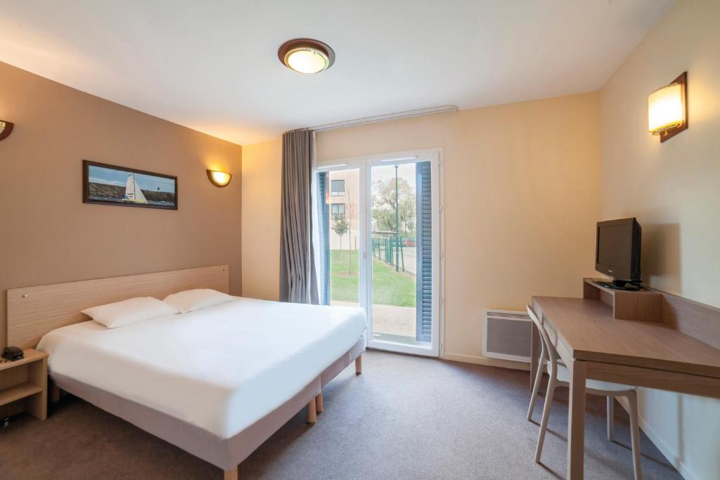 Zenitude h tel r sidence magny les hameaux appart for Appart hotel zenitude