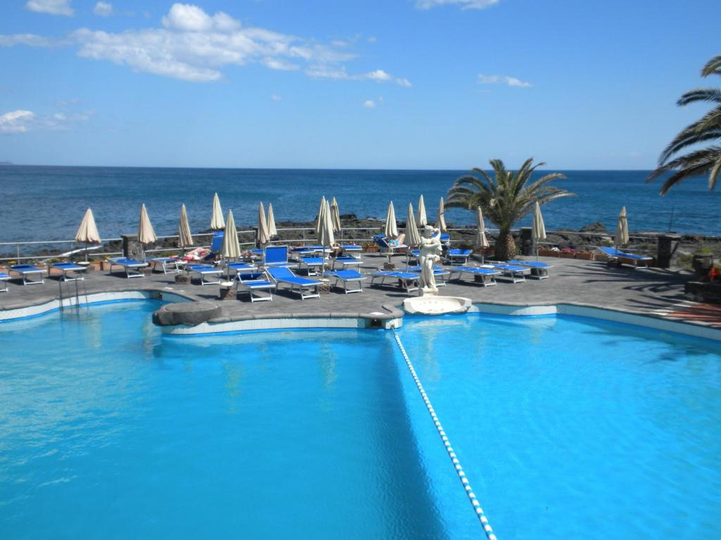 Booking arathena rocks hotel giardini naxos italien
