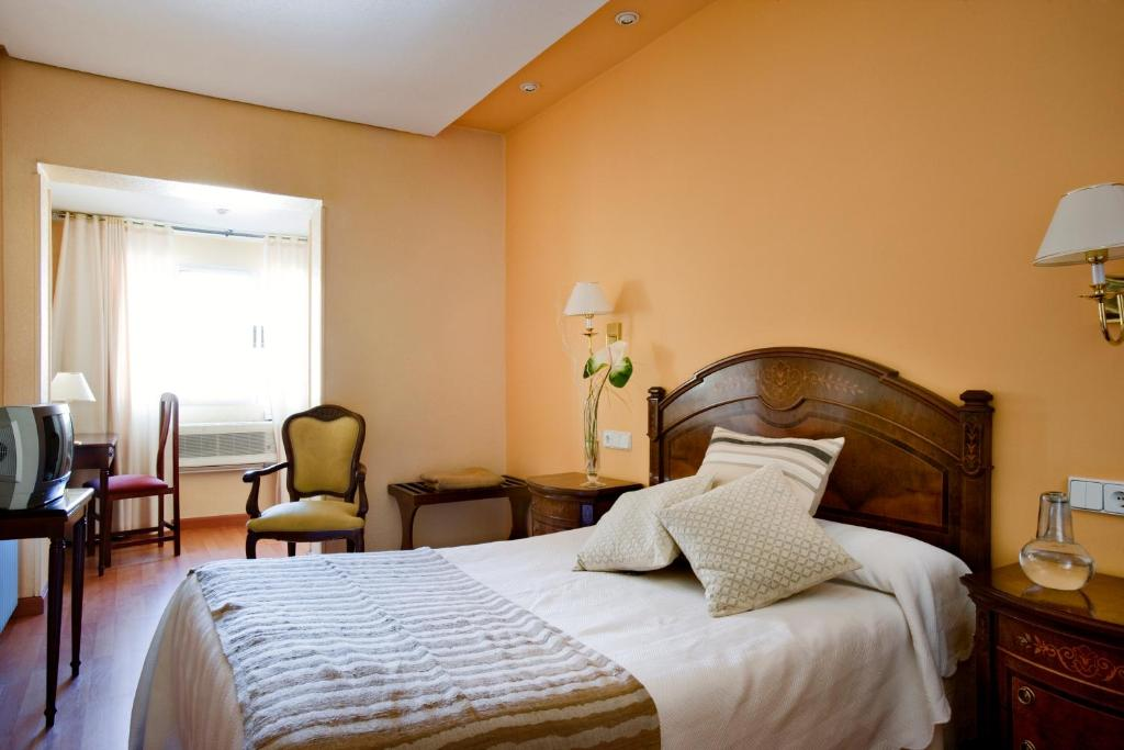 Hotel roma valladolid book your hotel with viamichelin for Hotel roma booking