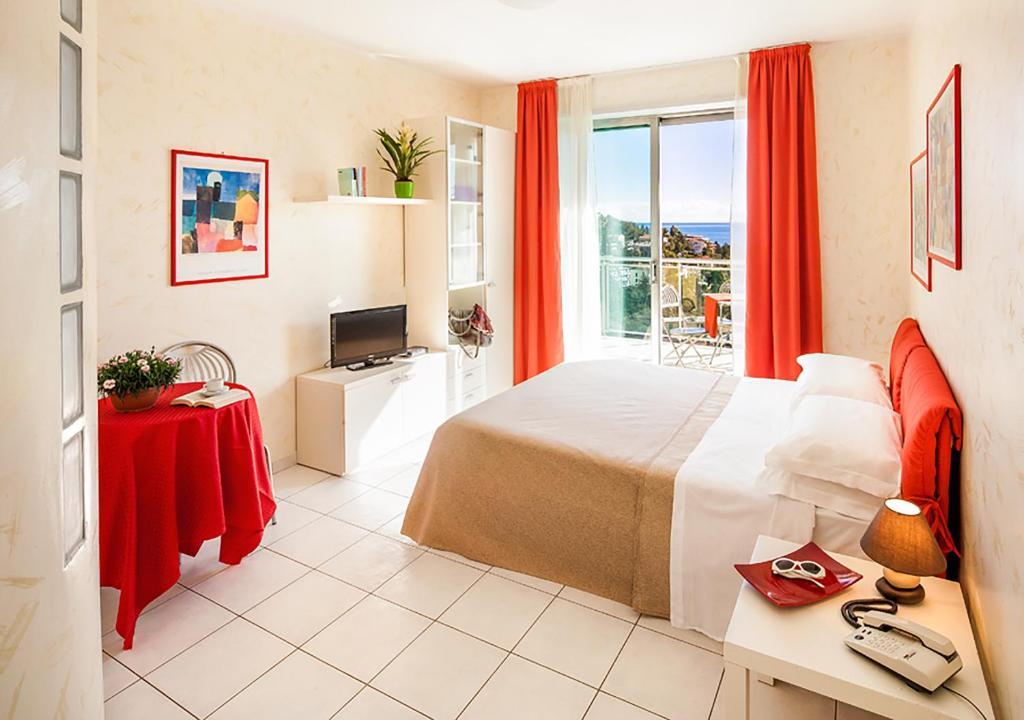 Modus vivendi locations de vacances san remo for Appart hotel rosas