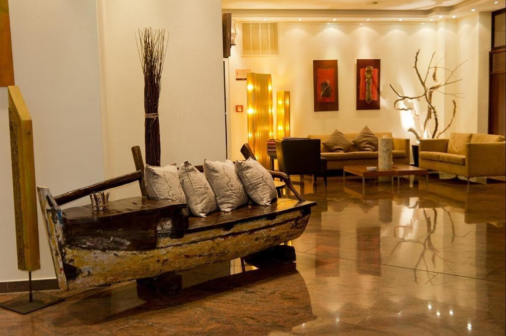 stadthotel gersthofen gersthofen book your hotel with viamichelin. Black Bedroom Furniture Sets. Home Design Ideas
