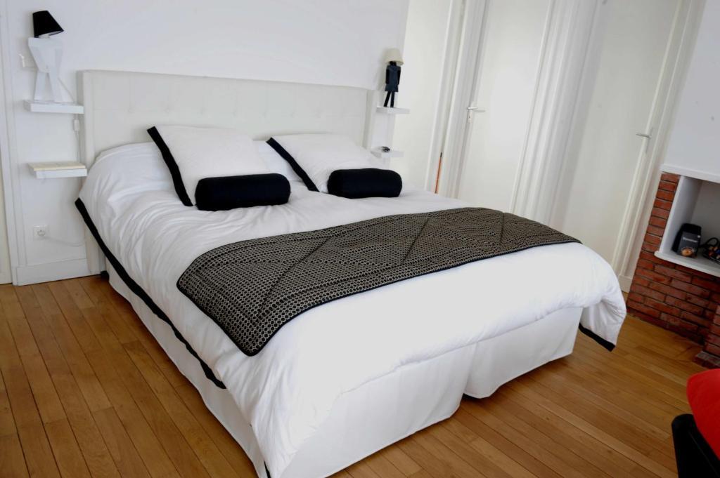 Chambres d 39 h tes au c ur de beauvais apartment chambres d for Chambre beauvais