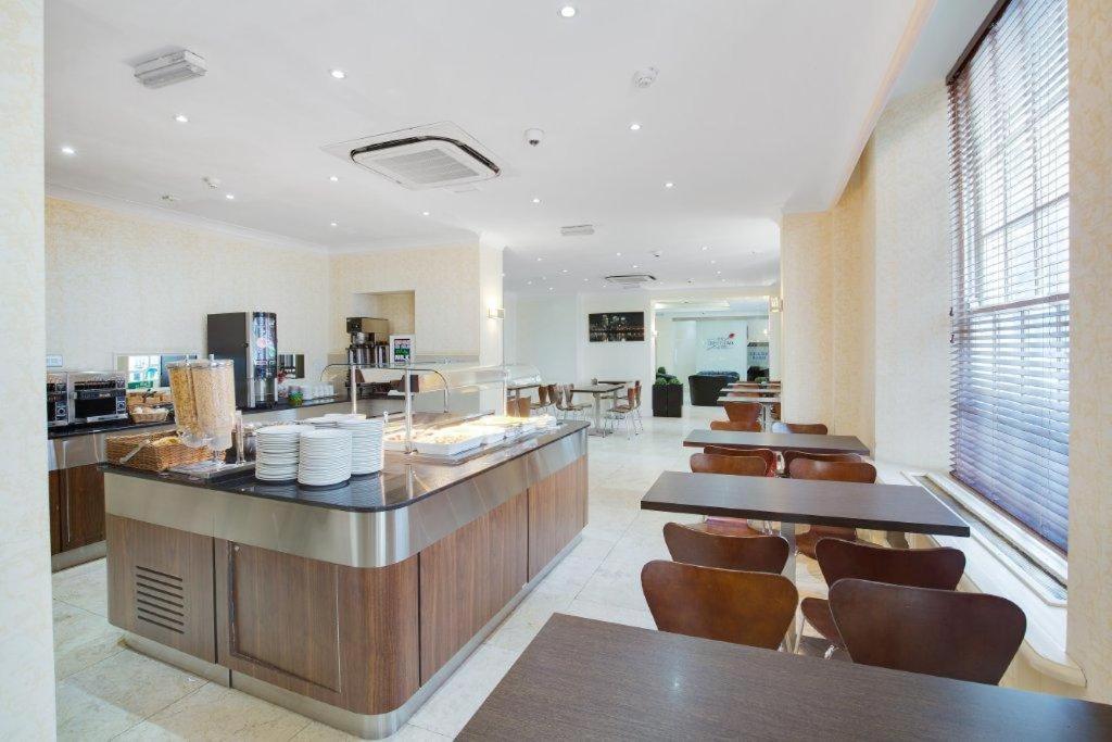 Queens park hotel londen viamichelin informatie en for 49 queensborough terrace bayswater