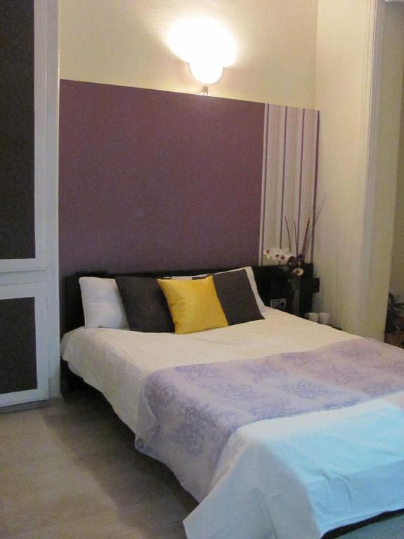 chambres d 39 h tes brustar gotic chambres d 39 h tes barcelone. Black Bedroom Furniture Sets. Home Design Ideas