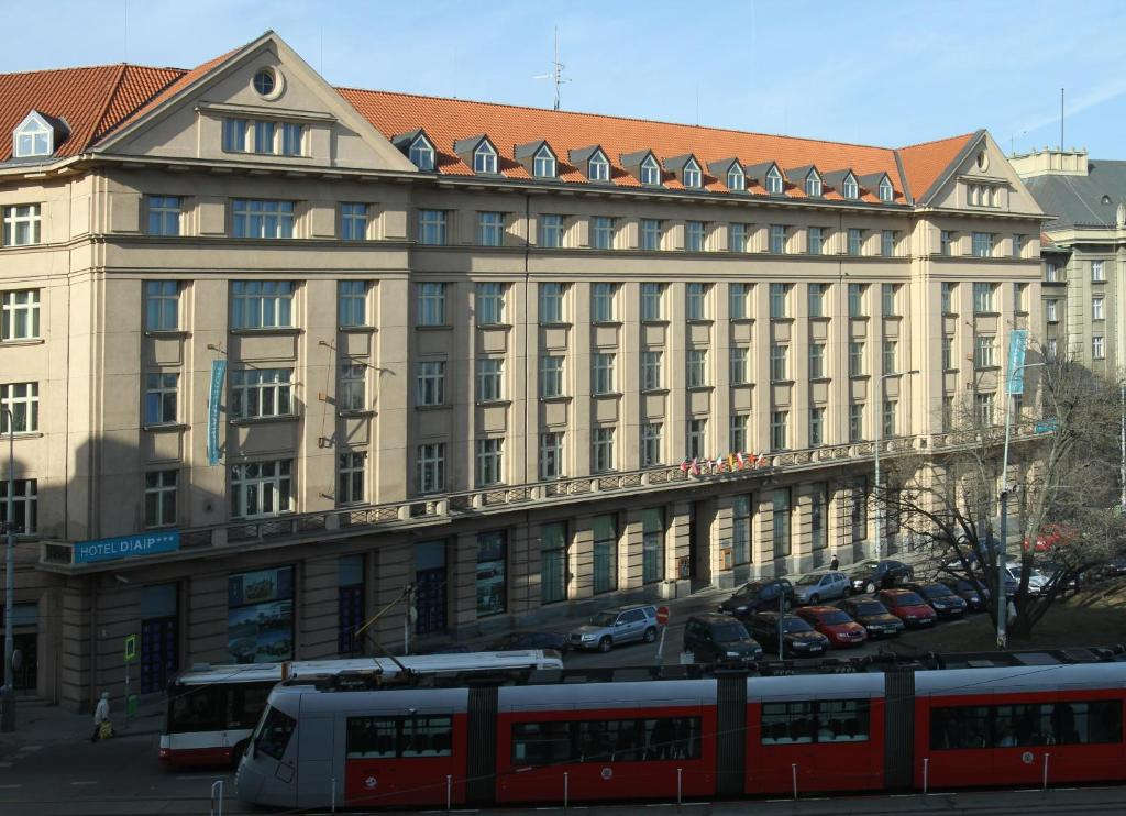 Hotel dap prague online booking viamichelin for Hotel reservation in prague
