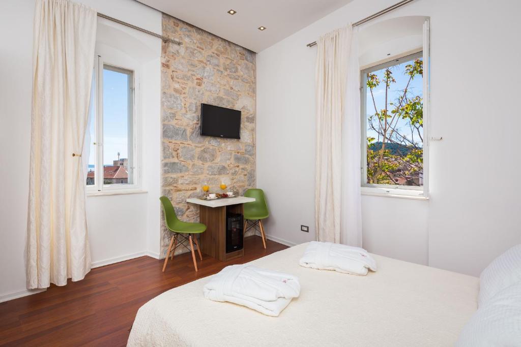 chambres d 39 h tes rooms supreme spalato chambres d 39 h tes split. Black Bedroom Furniture Sets. Home Design Ideas