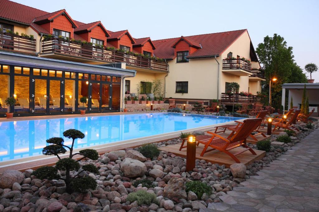 ringhotel hotel zum stein oranienbaum prenotazione on line viamichelin. Black Bedroom Furniture Sets. Home Design Ideas