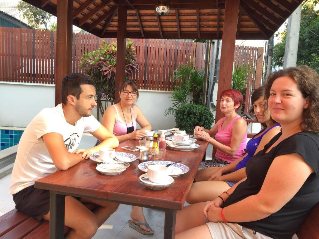 Rendezvous classic house chiang mai book your hotel for Classic house chiang mai massage
