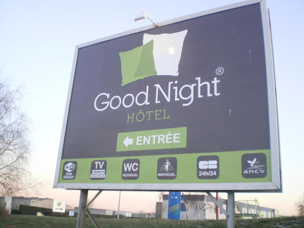 good night hotel arques reserva tu hotel con viamichelin. Black Bedroom Furniture Sets. Home Design Ideas